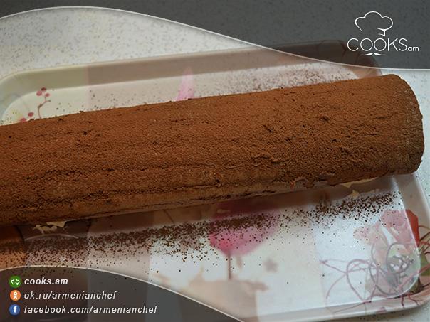 shokolade-rulet-serucqayin-kremov