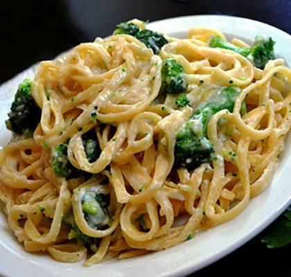 brokoliov-serucqayin-sousov-pasta