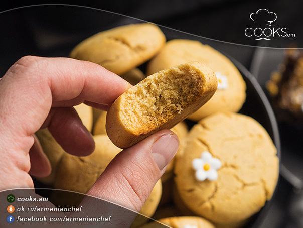 Մեղրով-թխվածքաբլիթներ-9